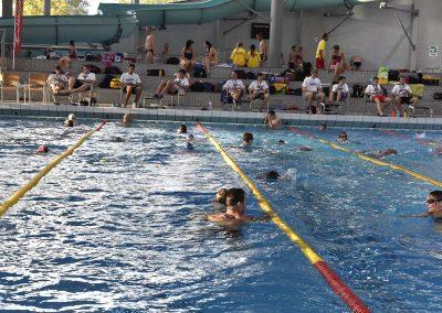 18 Das 24-Stunden Schwimmen in der ersten Stunde