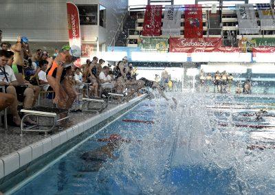 7 Start des 24-Stunden Schwimmens