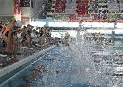 8 Start des 24-Stunden Schwimmens